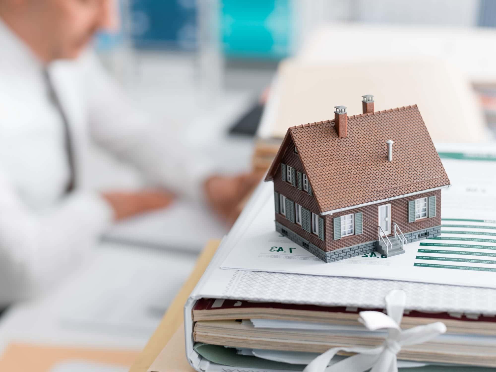 Какие нужны документы для оформления квартиры в собственность в Санкт-Петербурге