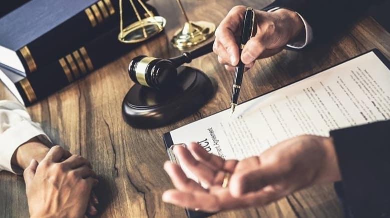 Услуги юристов в оформлении купли-продажи квартир